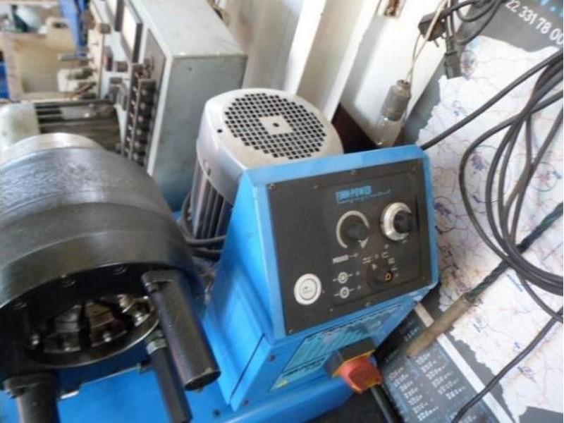 Prasa zaciskowa do przewodów, węży Finn-Power P20 | Kennedy Machines